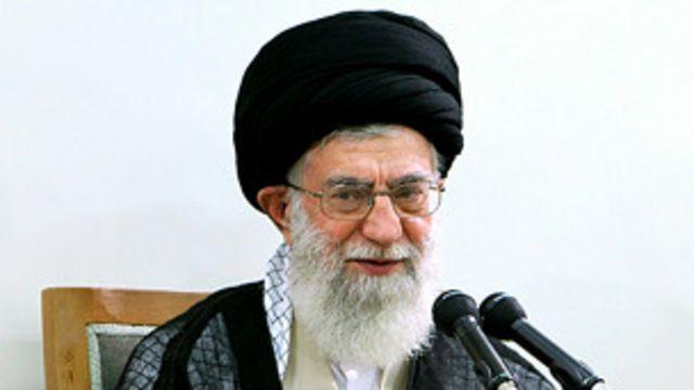 آیت الله علی خامنه ای رهبر جمهوری اسلامی نزدیک به نه ماه پس از حمله دانشجویان بسیجی به سفارت بریتانیا، آن را محکوم کرد