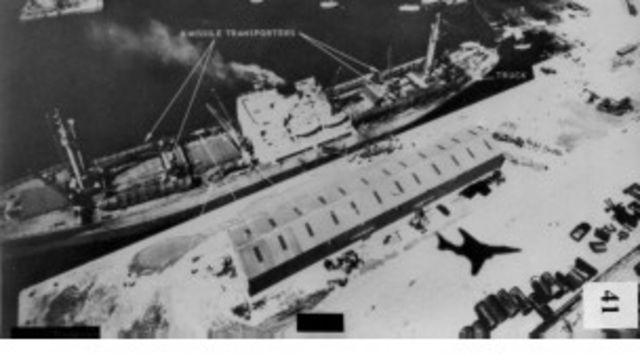 """Советский сухогруз """"Николаев"""" в кубинском порту Касильда во время Карибского кризиса"""