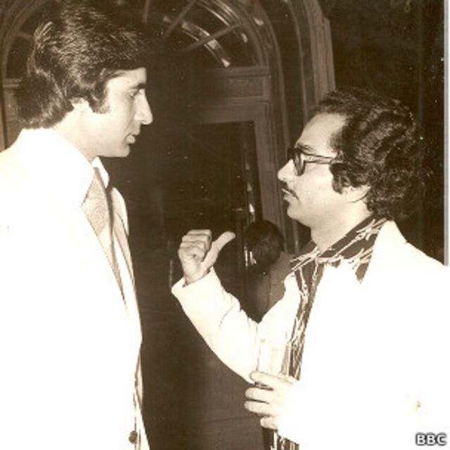 निर्देशक रमेश सिप्पी के साथ शोले के सेट पर अमिताभ बच्चन.