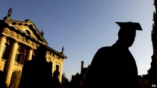 """尼克森回忆说,他接手负责牛津招生之时,最大的争论是""""公校/私校""""之争。"""