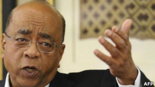 L'homme d'affaires britannique d'origine soudanaise Mo Ibrahim dont la fondation évalue et récompense la bonne gouvernance en Afrique.