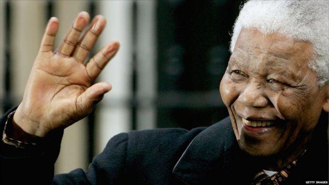 Mandela dalam kunjungan ke Inggris, 2004
