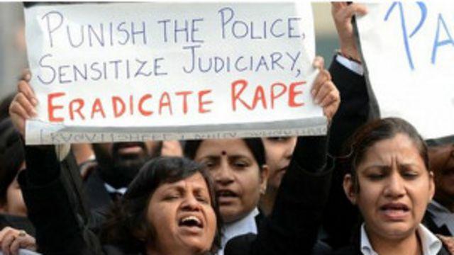 दिल्ली गैंग रेप के बाद देश भर में कड़े बलात्कार विरोधी कानून की मांग को लेकर प्रदर्शन हुए थे