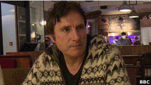 Neil McMahon lleva viviendo 38 años en Islandia. Es profesor, guía turístico y traductor