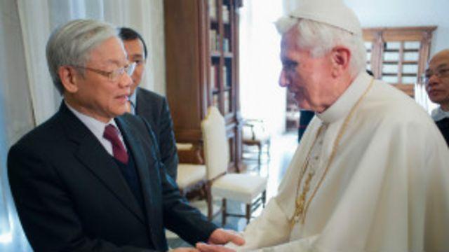 Chuyến thăm của Tổng bí thư Nguyễn Phú Trọng tới Vatican hồi 1/2013 được cho là đã phần nào giúp cải thiện quan hệ giữa VN với Giáo hội La Mã