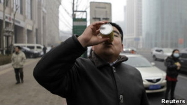 "Chen Guangbiao ""respira"" aire limpio"