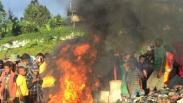 Pembakaran perempuan di PNG