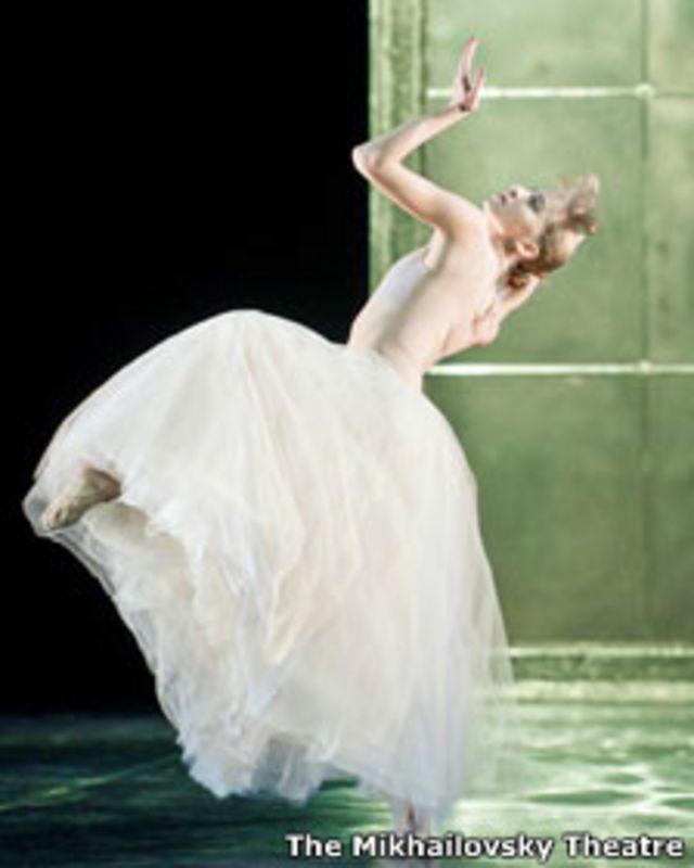 По словам Дуато, танцорам Михайловского театра понравился его хореографический язык