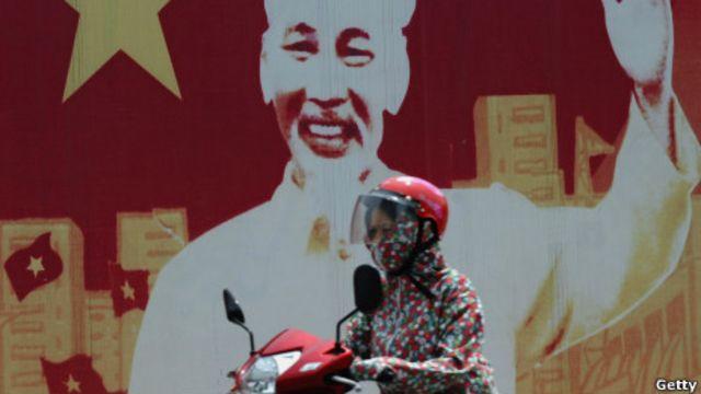 Hệ thống chính trị Việt Nam đang cố gắng thích ứng với biến đổi xã hội