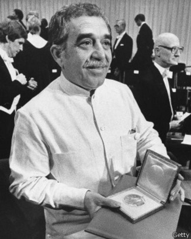 García Márquez recibe el Nobel