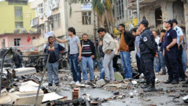 ဗုံးကြဲ တိုက်ခိုက်ခံရပြီးနောက် အပျက်အစီး မြင်ကွင်း