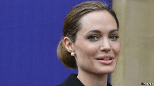 Angelina Jolie hy vọng câu chuyện của cô sẽ giúp ích cho các phụ nữ khác