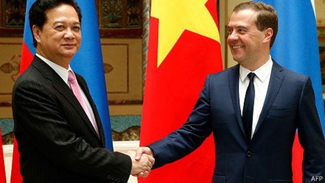 Thủ tướng Nguyễn Tấn Dũng và Thủ tướng Nga Dmitry Medvedev