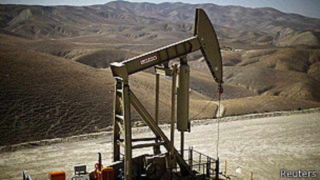 Perforador petrolero en Monterey Shale, California