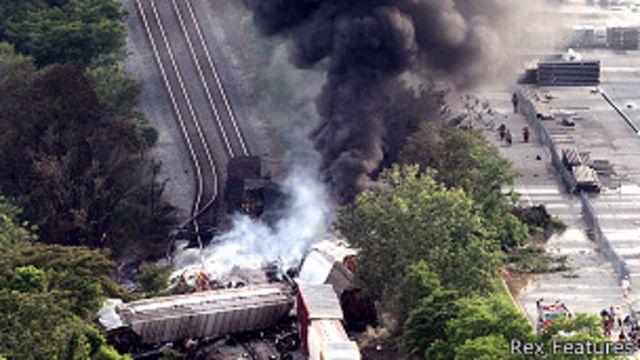 كان القطار يحمل مواد كيماوية