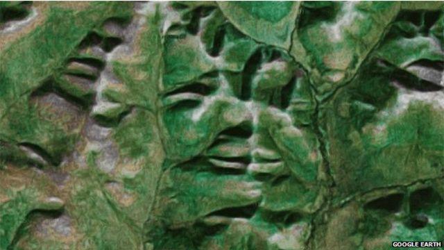 Лицо в рельефе Магаданской области (восток России)