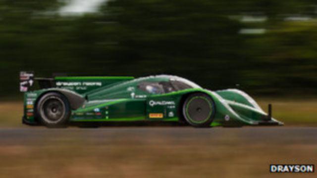 ड्राएसन रेसिंग कंपनी का मानना है कि इलेक्ट्रिक कारें भविष्य में सड़कों पर भी नज़र आएंगी