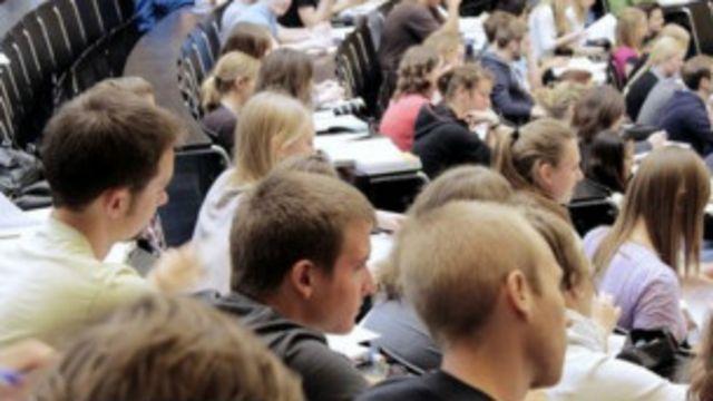 取消大学本科生人数上限,每名学生的开支将面临极大的压力。