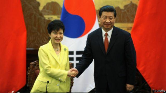 習近平和朴槿惠(2013年6月27日檔案圖片)