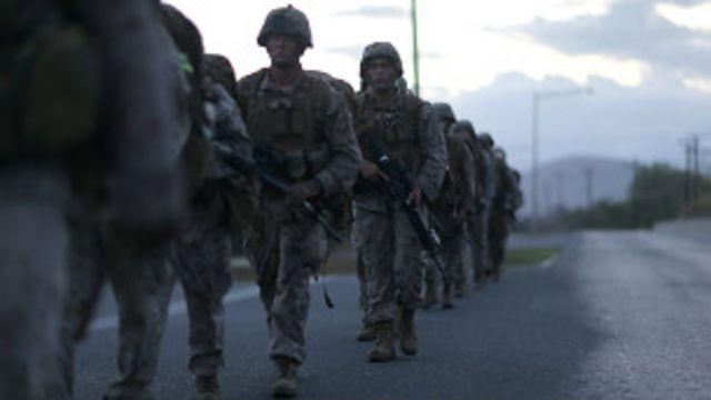 Marines americanos realizam marcha em Guantánamo Bay, em Cuba (Getty Images)