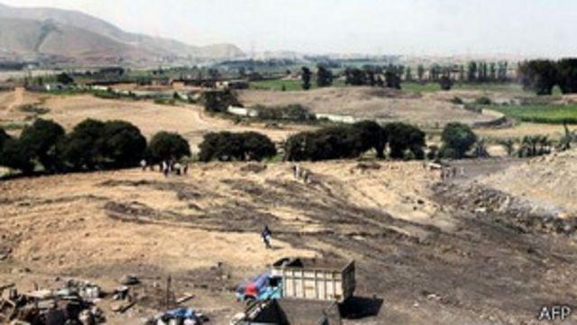 место разрушенной древней пирамиды в Перу