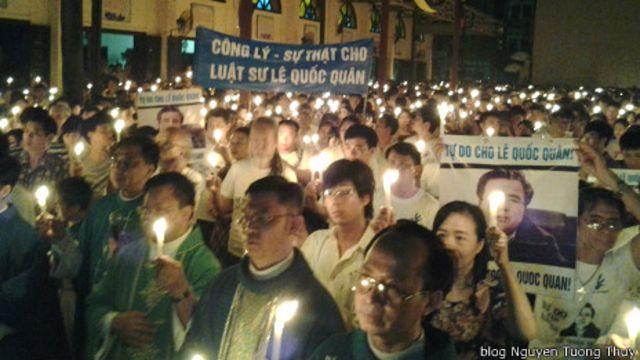 Nhiều giáo dân đã dự buổi thắp nến cầu nguyện cho Lê Quốc Quân hồi tháng Bảy