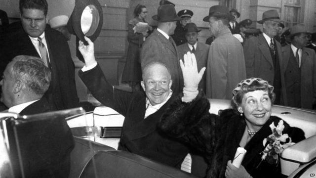 ၁၉၅၃ ခုနှစ် ဇန်နဝါရီလ မှာတော့ အသစ်တက်လာတဲ့ အမေရိကန် သမ္မတ Dwight Eisenhower က ဒီစစ်ပွဲကို အဆုံးသတ်ဖို့ အဏုမြူဗုံး သုံးမယ်ဆိုပြီး ကွန်မြူနစ် တပ်ဖွဲ့တွေကို အကြောင်းကြားလိုက်ပါတယ်။