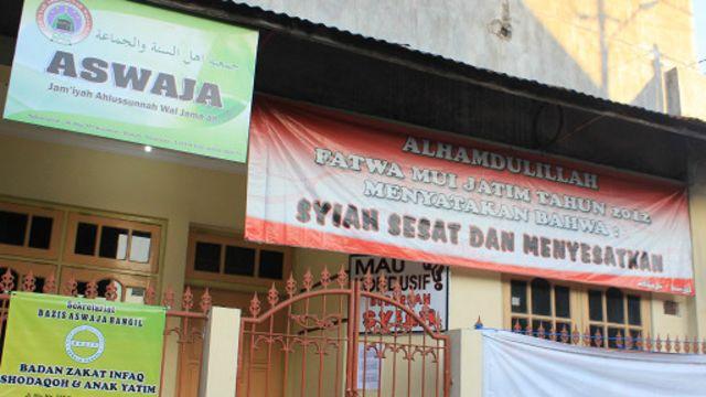 Penolakan terhadap Syiah disuarakan oleh sebagian kelompok Sunni seperti yang ditunjukkan sebuah kelompoknya di kota Bangil, Jatim ini.