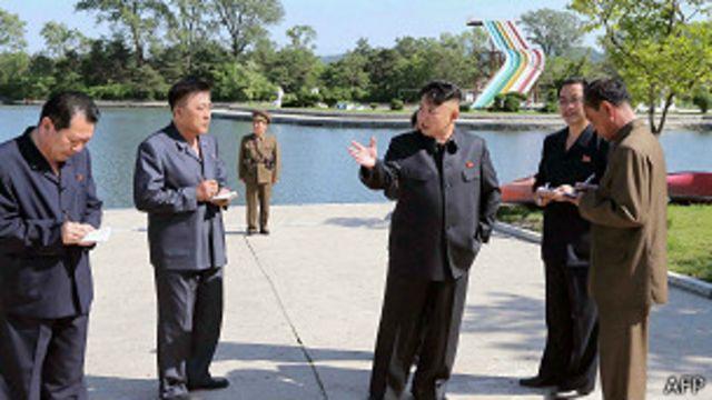"""Ким Чен Ын в лагере """"Сонгдовон"""""""