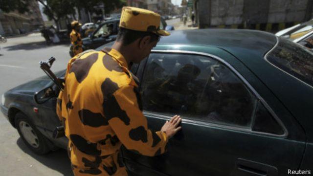 也門警方在首都薩納加強了安全檢查(08/08/2013)