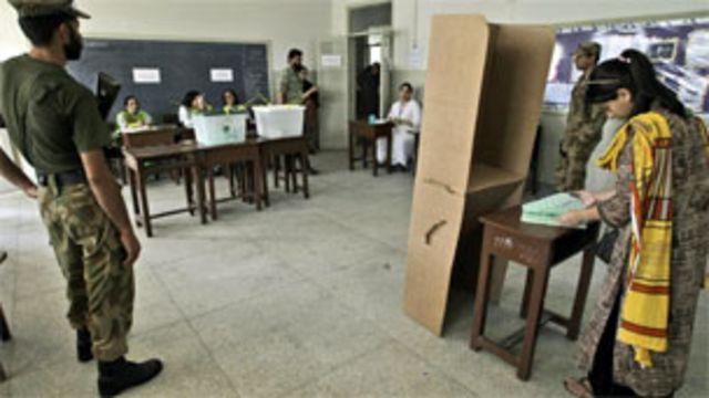 سنہ 2013  میں ہونے والے انتخابات دھاندلی کے اعتبار سے گذشتہ انتخابات سے بالکل مختلف تھے