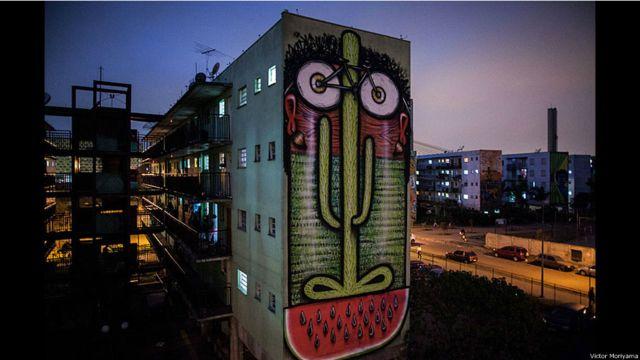 ဆောင်ပေါလိုး မြို့လယ်က မှုတ်ဆေးနဲ့ ချယ်မှုန်းထားတဲ့ နံရံရေး ပန်းချီ