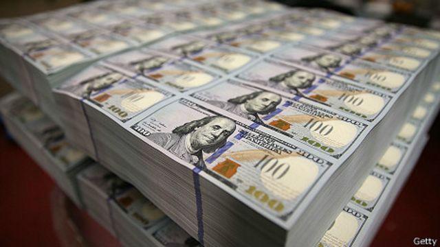 Phiên bản mới của tờ bạc 100 đôla được cho là sẽ khó bị làm giả hơn phiên bản cũ rất nhiều
