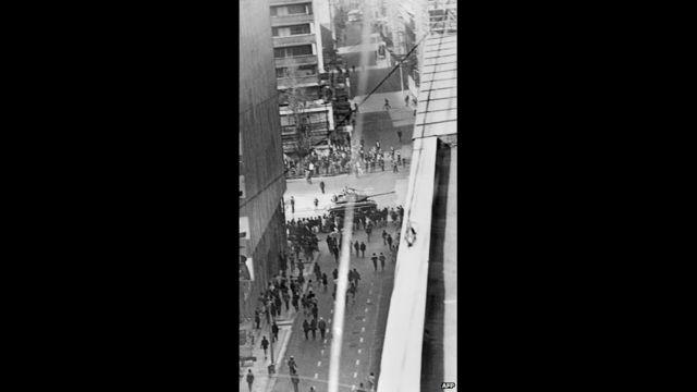 Çile əsgərləri paytaxtı patrul edirlər. Santiago, 4 oktyabr, 1973. AFP