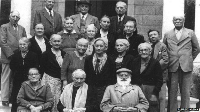 شماری از اعضای آخرین گروه تمپلرها که در سال ۱۹۴۹ به دستور حکومت اسرائیل این سرزمین را ترک کردند