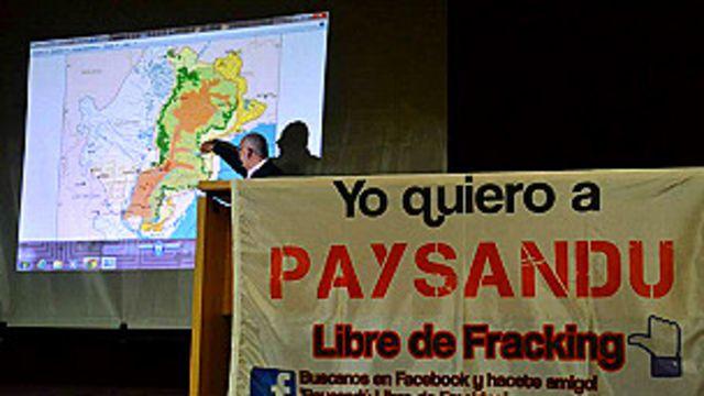 Reunión organizada por ONGs en Paysandú, Uruguay, sobre el fracking