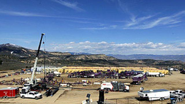 Operación de fracking en Rifle, Colorado, en EE.UU.