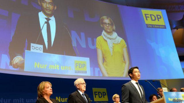Ông Philipp Roesler từ chức sau thất bại nặng nề của đảng FDP