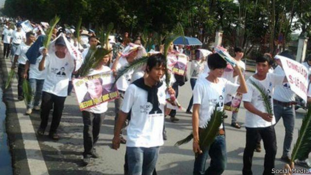 Hàng trăm người đã tham gia biểu tình ủng hộ luật sư Lê Quốc Quân