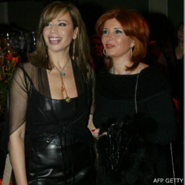 المخرجة إيناس الدغيدي والممثلة ميرفت أمين خلال حفل انتهاء تصوير أحد الافلام