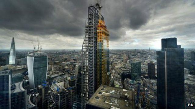 伦敦登上冠军宝座部分可归因于房地产价格飙升。