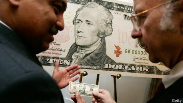 Đồng 10 đôla cũng có phiên bản mới nhằm chống tệ làm tiền giả