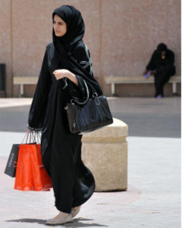 وصلت المرأة السعودية إلى مناصب لم تصلها من قبل، حسبما تقول الإعلامية سوسن حميدان. (الصورة من الأرشيف)