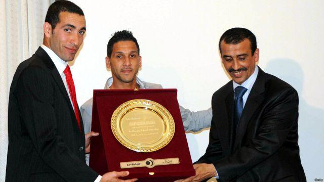 """وحصل أبو تريكة على لقب أفضل لاعب عربي 2007 و 2008 على التوالي في استفتاء جريدة """"الهداف"""" الجزائرية."""