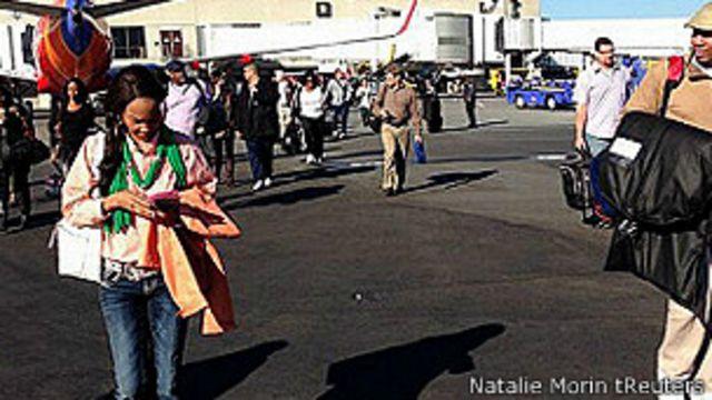Pasajeros evacuados en Los Angeles