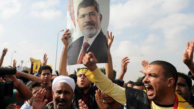 أنصار مرسي يواصلون التظاهر منذ عزله قبل أربعة شهور للمطالبة بعودته للرئاسة