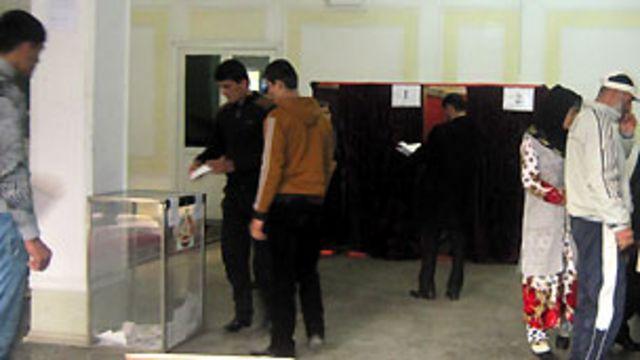 کمیسیون مرکزی انتخابات و همهپرسی تاجیکستان انتخابات ریاست جمهوری این کشور را برگزارشده اعلام کرد