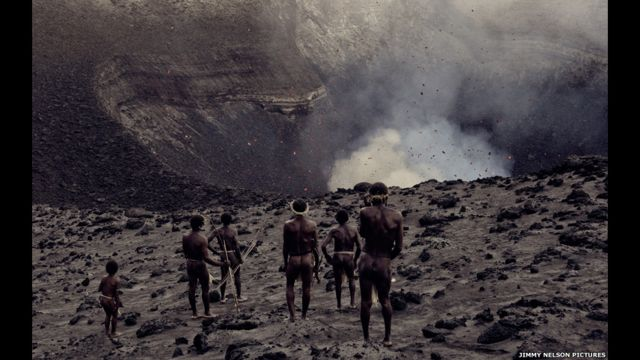 Vanuatu di dekat gunung berapi aktif