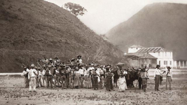 Fotos do século 19 retratam opressão contra negros no último país a abolir a escravidão