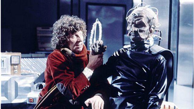 """دکتر هو (با بازی تام بیکر) در قسمت """"خلقت دالکها"""" با دوروس ملاقات میکند"""